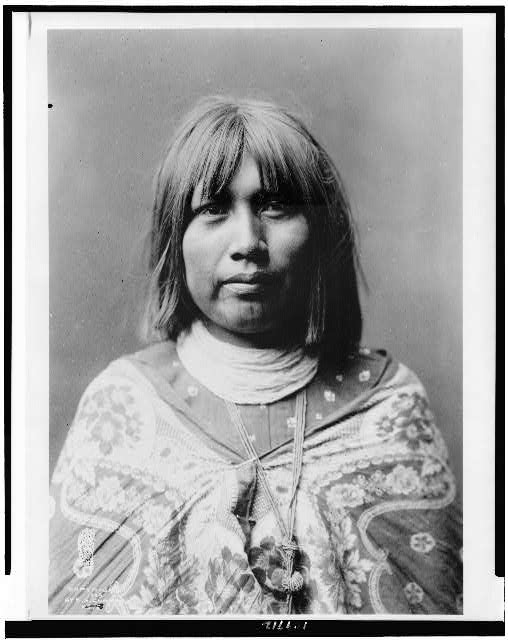 [O Che Che, Mohave Indian woman, head-and-shoulders portrait, facing front]