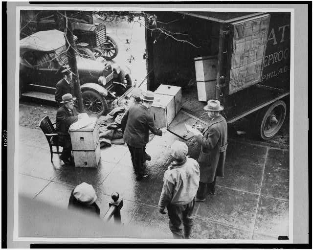[Men removing ballot boxes from the William S. Vare - William B. Wilson Pennsylvania senate election from truck at the Capitol, Washington, D.C.]