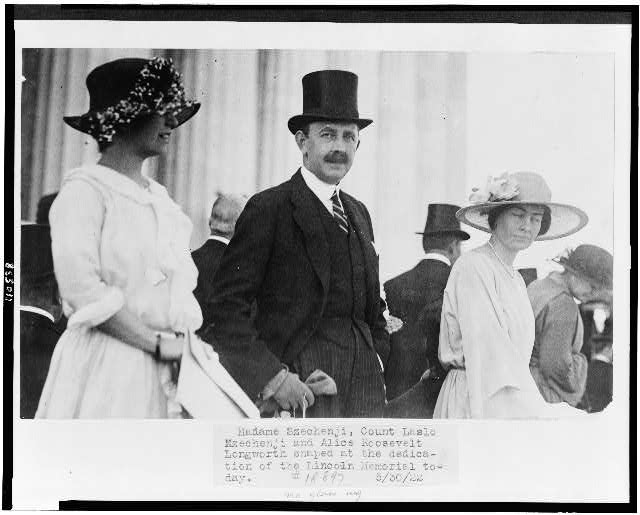 Madame Széchenji, Count Lásló Széchenji, and Alice Roosevelt Longworth snaped [sic] at the dedication of the Lincoln Memorial today