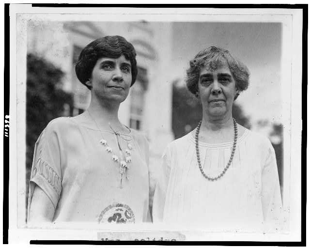 [Mrs. Calvin Coolidge and Mrs. Charles Gates Dawes, half-length portraits, standing]