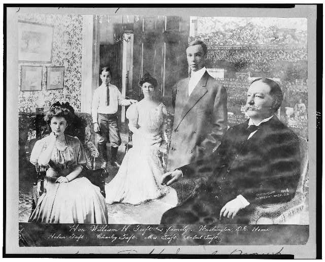[William Taft and family in Washington, D.C. home]