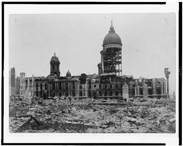 [Ruins of earthquake-damaged San Francisco City Hall]