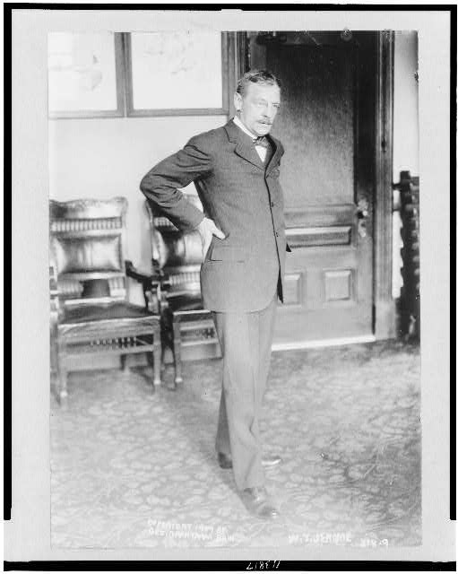 [William T. Jerome, full-length portrait, standing, facing right]
