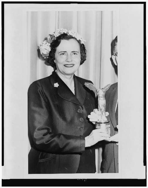 [Mrs. Mary Lasker, half-length portrait, presenting award]