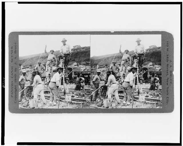 Upper Miraflores locks--Tripod drills at work, April 1910
