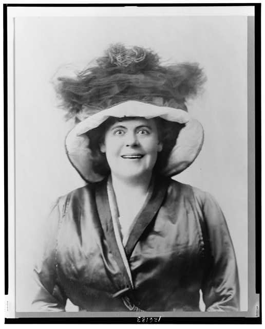 [Marie Dressler, head-and-shoulders portrait, facing front, wearing hat]