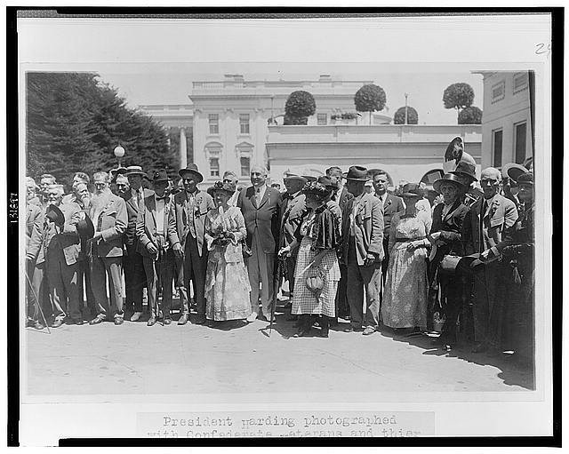 President Harding photographed with Confederate veterans and their wives who called at the White House today