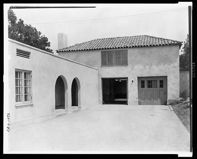 "[""Mi Sueño,"" Herbert Coppell house, 1245 South Grand Avenue, Pasadena, California. Garage and chauffeur quarters]"