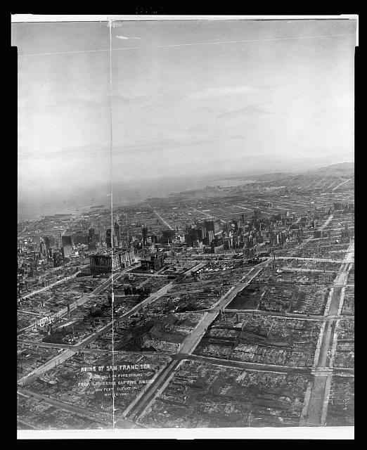 Ruins of San Francisco, Nob Hill in foreground, from Lawrence Captive Airship, 1500 feet elevation, May 29, 1906