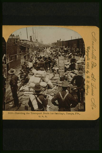 Boarding the transport boats for Santiago, Tampa, Fla., U.S.A.