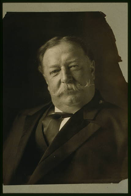 [William Howard Taft, head-and-shoulders portrait, facing front]