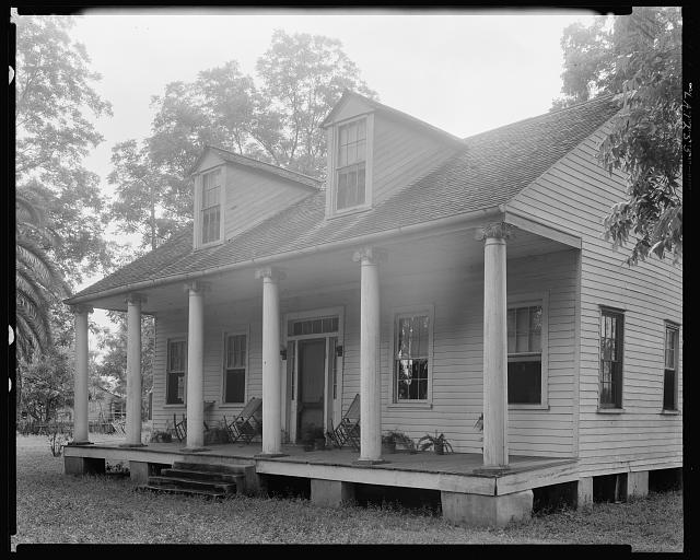 Small house with columns, Chalmette vic., St. Bernard Parish, Louisiana