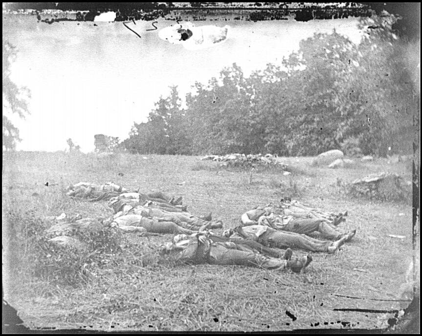 [Gettysburg, Pa. Confederate dead at the edge of the Rose woods, July 5, 1863]