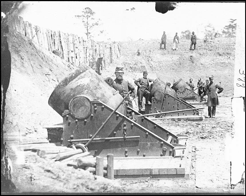 [Yorktown, Va., vicinity. 13-in. seacoast mortars of Federal Battery No. 4 with officers of 1st Connecticut Heavy Artillery]