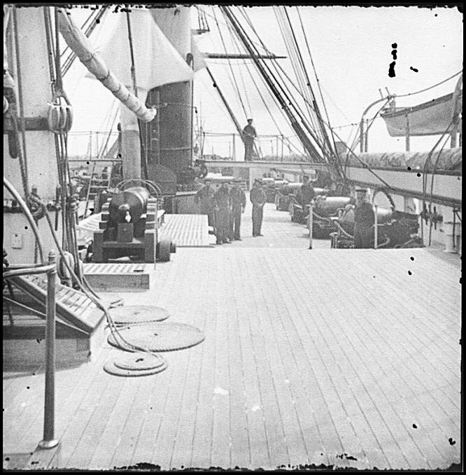 [Charleston Harbor, S.C. Crew members, quarterdeck, and starboard battery of U.S.S. Pawnee]