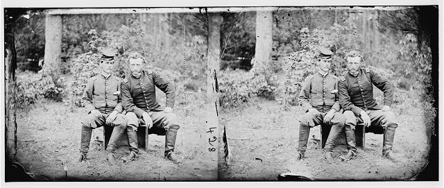 [Fair Oaks, Va. Lt. James B. Washington, a Confederate prisoner, with Capt. George A. Custer of the 5th Cavalry, U.S.A.]