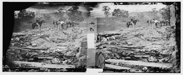 [Antietam, Md. Confederate dead in a ditch on the right wing used as a rifle pit]