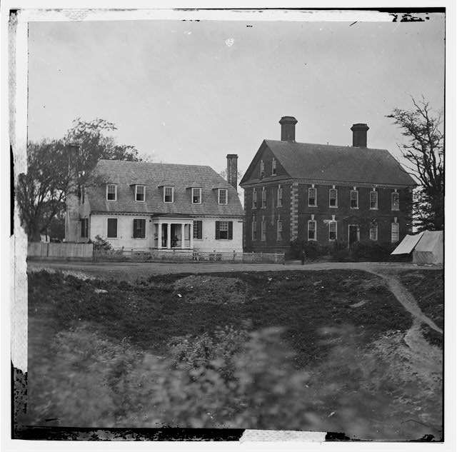 [Yorktown, Va. Thomas Nelson house (right), used as a hospital; in 1781 used as a headquarters by Lord Cornwallis]