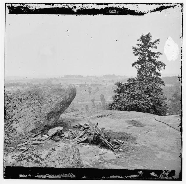 [Gettysburg, Pa. The center of the Federal position viewed from Little Round Top]