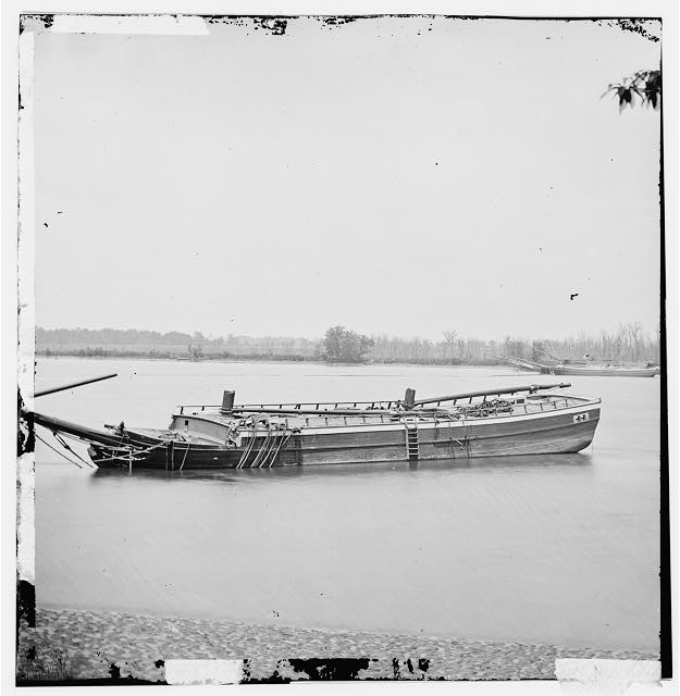 [James River, Va. Schooners sunk to obstruct passage]