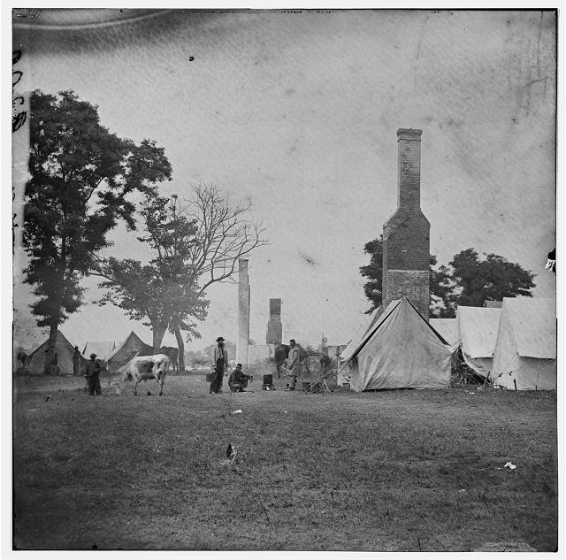 [White House Landing, Va. Ruins of the White House, burnt during the Federal evacuation]