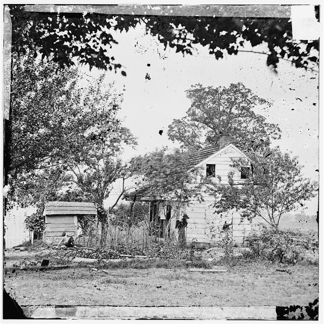 [Gettysburg, Pa. The Bryan house on 2d Corps line, near scene of Pickett's Charge]