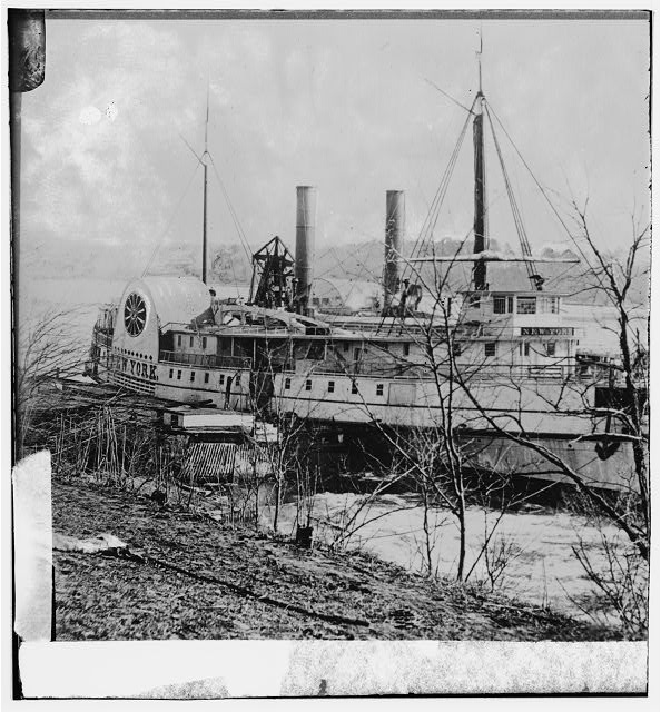 [Aiken's Landing, Va.  Steamer New York waiting for exchange of prisoners]