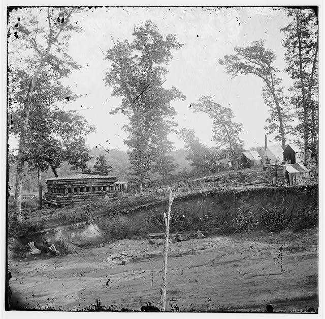 [Chattanooga, Tenn., vicinity. Blockhouse on the Nashville & Chattanooga Railroad]