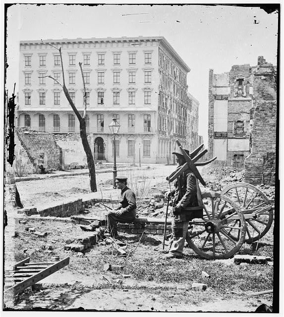 [Charleston, S.C. The Mills House, with adjacent ruins]