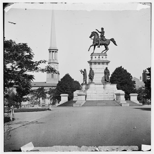 Richmond, Virginia. Washington monument; St. Paul's Church in left background