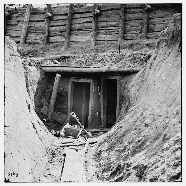 [Petersburg, Va. Entrance to mine in Fort Mahone, intended to undermine Fort Sedgwick]
