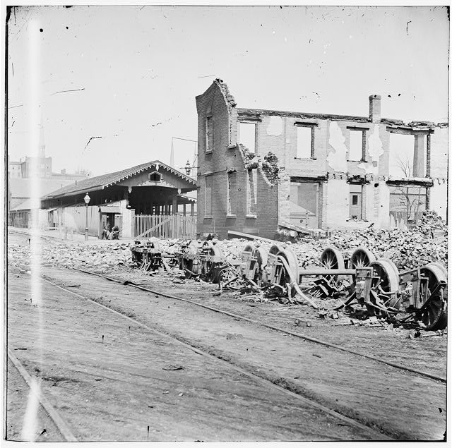 [Richmond, Va. Wheels and burned railroad cars near Richmond & Petersburg Railroad station]
