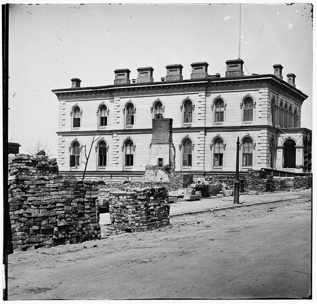 Richmond, Virginia. Custom House standing among ruins