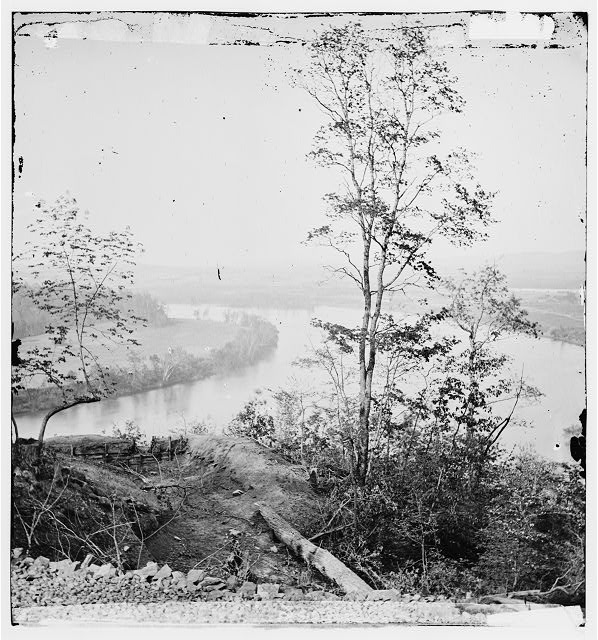Chattanooga, Tennessee (vicinity). View of Tennessee River from Lookout Mountain
