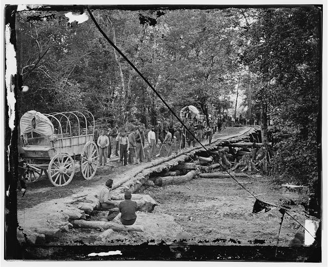 [Chickahominy River, Va. Grapevine bridge built May 27-28, 1862, by the 5th New Hampshire Infantry under Col. Edward E. Cross]