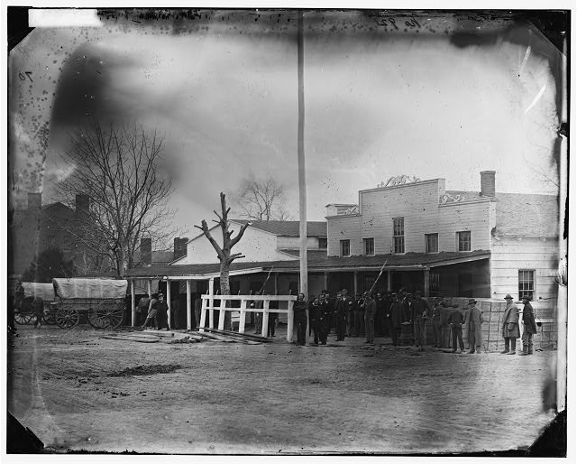 [Washington, D.C. Staff, buildings, and wagons of the Medical Department]