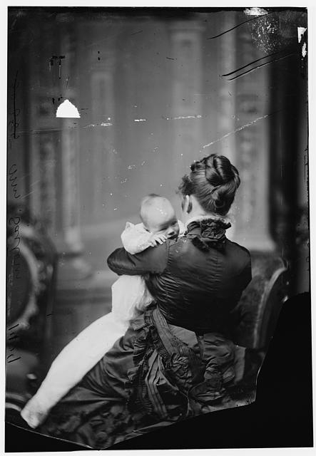 Sartoris, Mrs. (Nellie Grant) with baby. This baby - Princess Cantacuzene unveiled the Grant Memorial in the Mall - Wash. DC in April 27/1922. This baby&#39;s daughter &quot;Princess Ida&quot; assisted her mother in the unveiling. Grant book - page 56