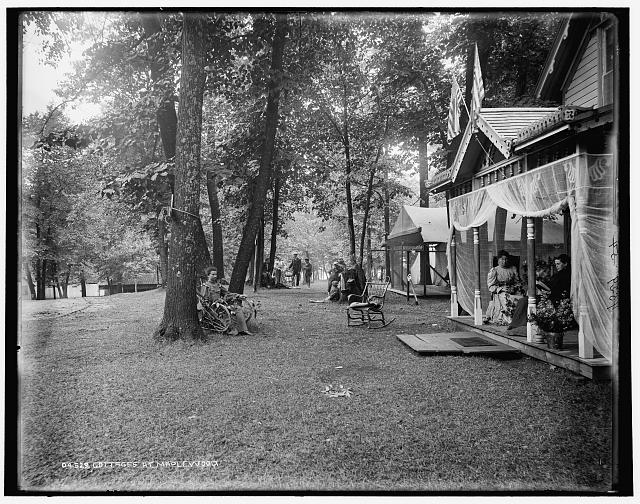 Cottages at Maplewood