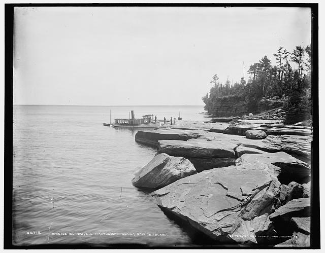 Apostle Islands, L.S. lighthouse landing, Devil's Island