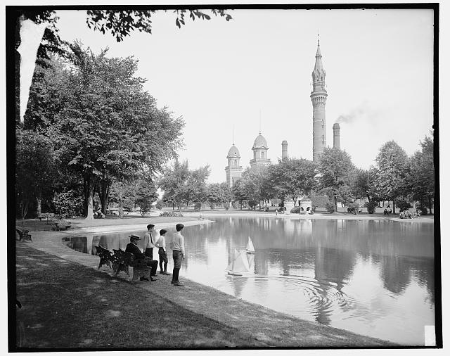 [Lake and tower, Water Works Park, Detroit, Mich.]