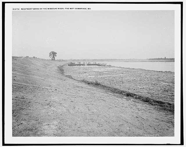 Revetment work on the Missouri River, the mat, Cambridge, Mo.