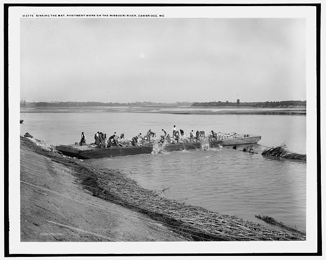 Sinking the mat, revetment work on the Missouri River, Cambridge, Mo.