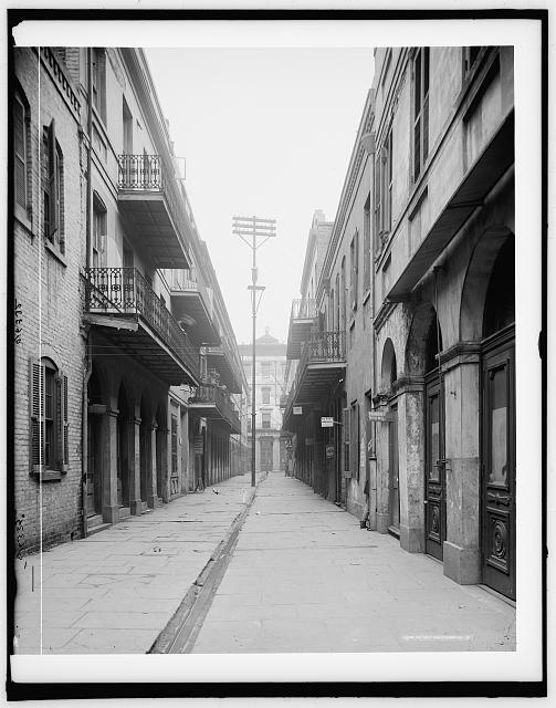 [Exchange Alley and entrance to Royal Hotel, New Orleans, La.]