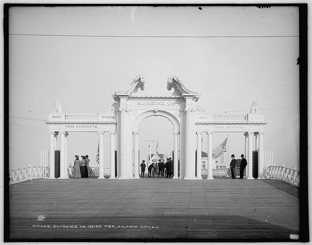 Entrance to Heinz Pier, Atlantic City, N.J.