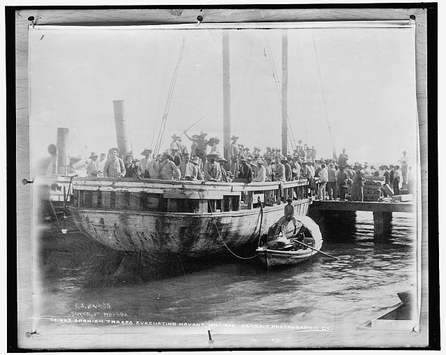 Spanish troops evacuating Havana, Jan. 1, 1899