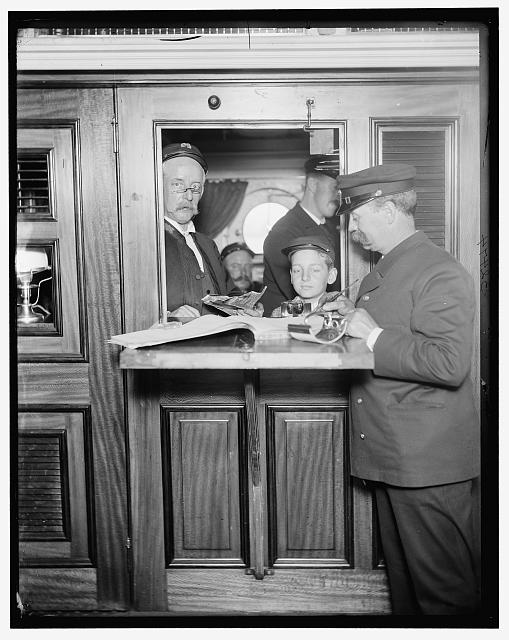 [U.S. Navy, a pay office]