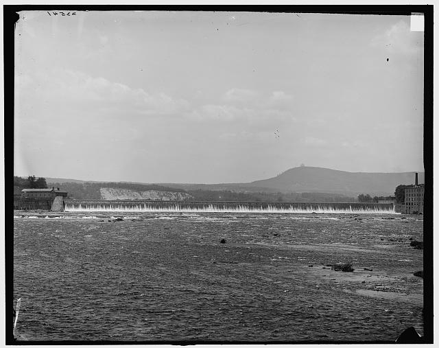 [Holyoke, Mass., Holyoke Dam and Mt. Tom from bridge]