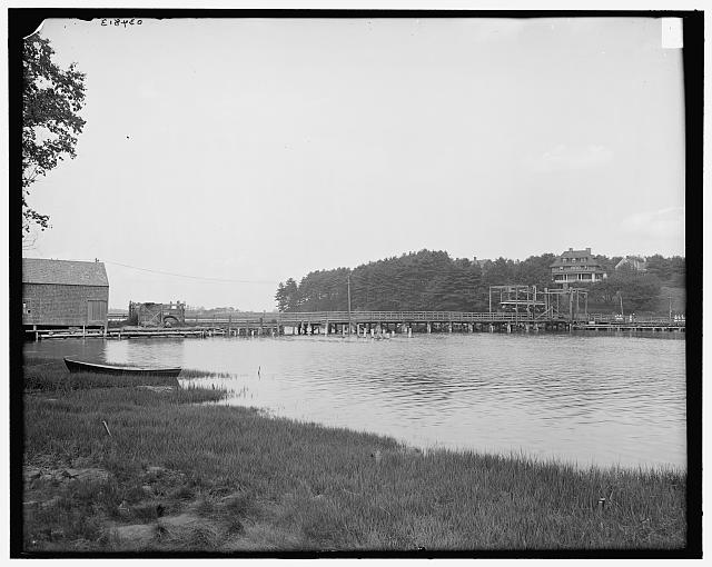 [Sewall's Bridge, first pile bridge in America, York, Me.]