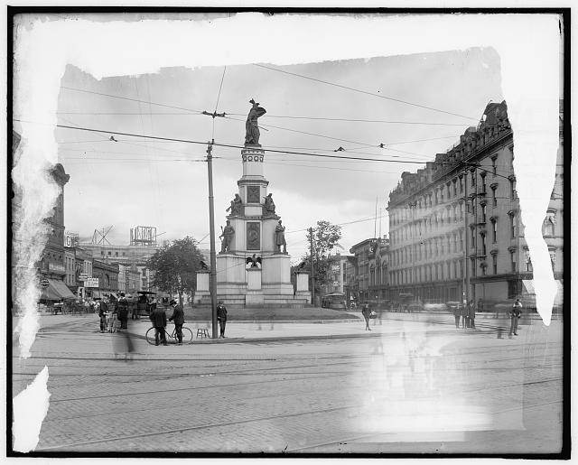 [Soldiers' and Sailors' Monument and Russell House, Detroit, Mich.]