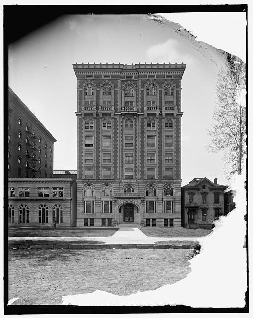 [Lenox Apartments, Detroit, Mich.]